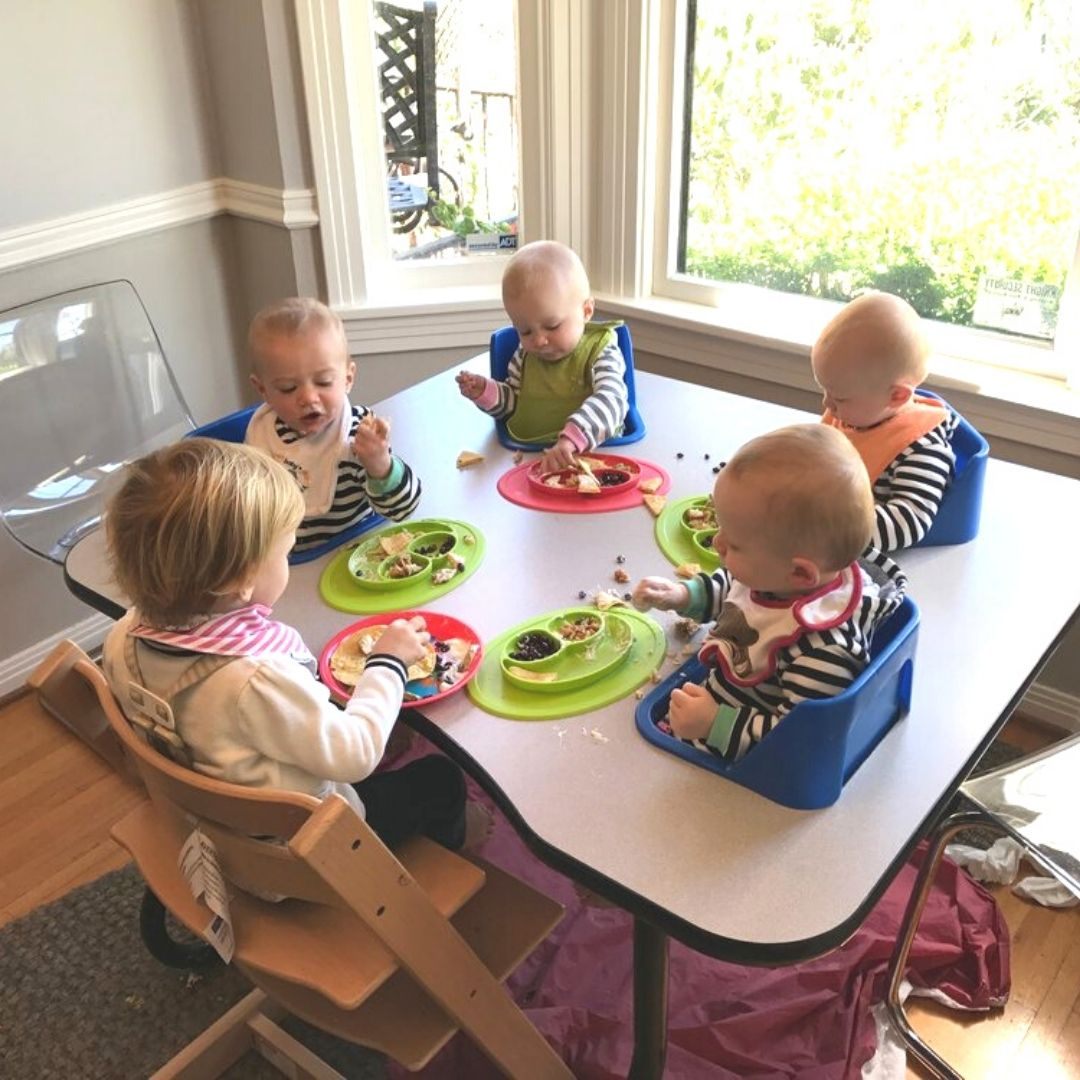 (c) Katie Ferraro and her first 5 children practicing baby led weaning
